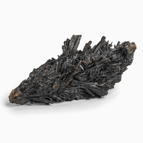 black_kyanite_crystal